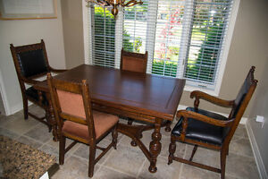 LAST CHANCE - DINING SET OFF TO AUCTION MONDAY - PRICED TO SELL