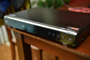 LG BD 390 bluray player with network and wireless capability