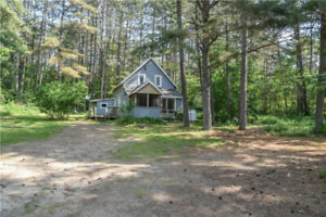Private 3 bedroom home over looking Corry Lake