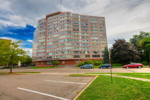 lovely 2 bed 2 bed condo St Catharines