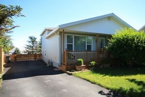 Mt Pearl Large family home across from schools | 30 Mcgill Cres