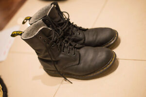 Dr. Martens Unisex Winter Boots Women's size 8 to 9 (worn in)