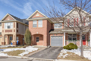 MILTON BUYERS: Freehold End Unit Townhome!!!