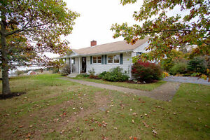 Picturesque property, ocean view, gorgeous bungalow + garage!