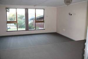 3 Bed 2 Bath house on huge block with new carpets & Aircon Balga Stirling Area Preview