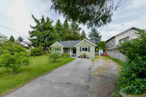 Charming 2 Bed/2 Bath House in Maple Ridge