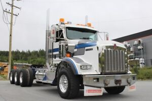 2014 Kenworth T800 Ext Daycab Tri-Drive