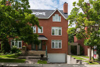 Gorgeous 2 Bedroom Townhouse in Great Location Steps from the Ca