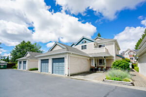 3 BEDROOM TOWNHOUSE IN NORTH SURREY FOR SALE - NEW PRICE