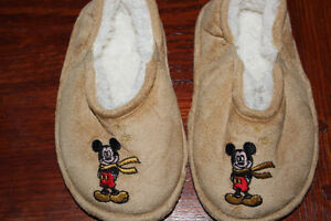 Disney size 7/8 toddler sleepers $3