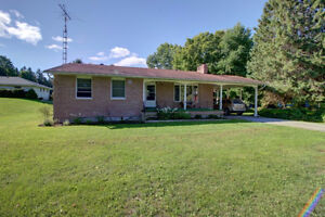 Spacious Country Bungalow with Workshop Area & Carport!