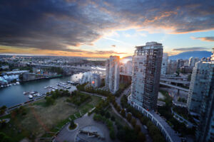 Unobstructed views from 31st floor in Yaletown (Beach Crescent)
