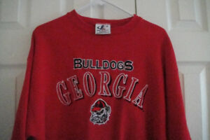 "Men""s Georgia Bulldog Pull Over Shirt Size M,  Red with Logo"