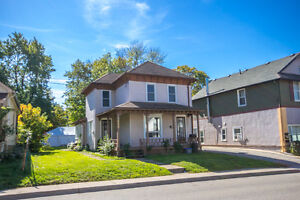 duplex with 2 units on large 50x150 ft lot