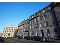 2 bedroom flat in Gardners Crescent, West End, Edinburgh, EH3 8BZ