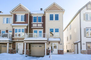 BARRHAVEN - HALF MOON BAY TOWNHOUSE FOR RENT