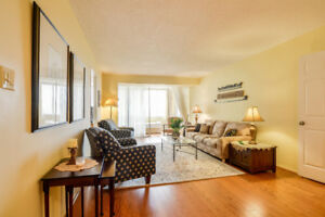 Beautiful 1350 sq.ft at Bridletowne Circle (Warden/Finch)