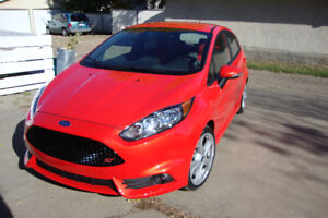 2014 Ford Fiesta ST Hatchback - Like New!