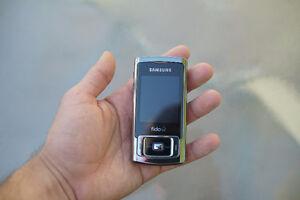 Nokia slider phone - nearly mint condition London Ontario image 2