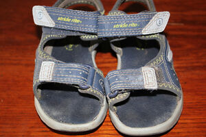 Stride Rite toddler size 9 sandals