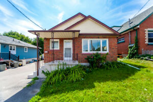 Cozy 3 BR Upper Level Of Bungalow For Rent Near Olive/Ritson