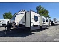 2017 Palomino Puma 32RBFQ 2 BED 3 SLIDE American Caravan 5th Wheel RV Trailer