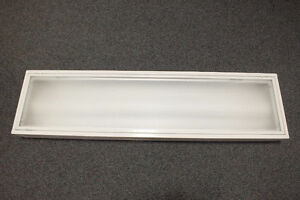 Used surface mount white 2 lamp T8 fixture