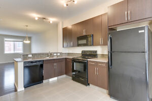 Double Attached Garage New Townhouse in South East 3 Bed 2.5 Bat