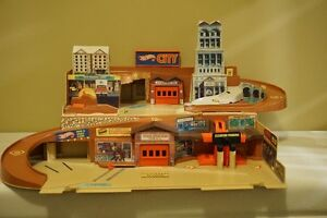 Sto N Go Vintage Hot Wheels Playset-Very Good Condition