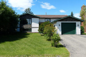 4 Bedroom family home on the Dawson Creek in Willowbrook.