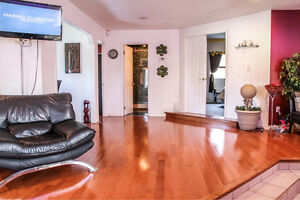 JUST LISTED- 2284 LONGFELLOW! 16 YR OLD RANCH IN GREAT LOCATION Windsor Region Ontario image 4