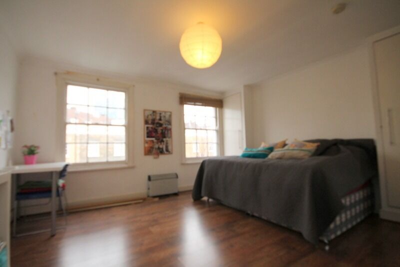 Charming studio apartment on the top floor of a period house,moments away from Kings Cross station.