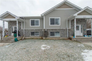 Up/Down Duplex built in 2014 located in Cardinal - Fully Rented