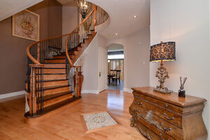 Stunning Home in Beaconhill South