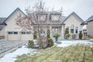 Stunning Bungaloft Located in Prestigious Mackenzie Ridge