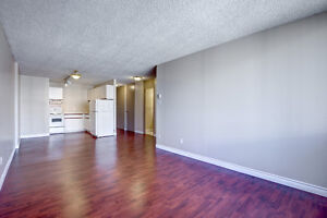 Beautiful Bachelor Suites - Downtown Calgary Terrace Gardens