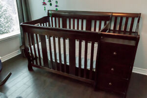 Storkcraft 4-In-1 Crib with changer
