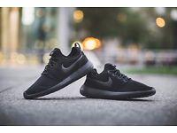 Nike Roshe 2 Triple Black (Gift worn once)