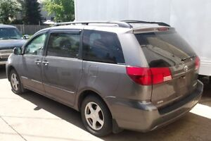 2005 Toyota Sienna grey in colour great shape great deal