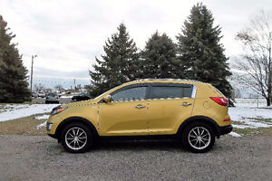 2011 Kia Sportage EX- ALL WHEEL DRIVE & 4 Cylinder. ONLY $11 950