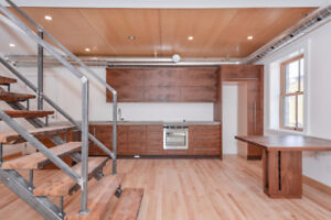 EXECUTIVE APARTMENT IN THE HEART OF DOWNTOWN GUELPH!