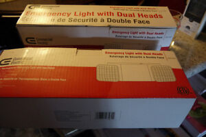 Emergency light with dual heads X Windsor Region Ontario image 3
