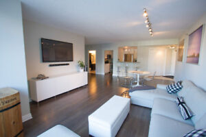 Stylish 2 bed 2 bath w/Balcony Downtown! Quick closing possible!