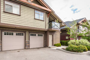 Immaculate North Glenmore Townhome - #206-511 Yates Road