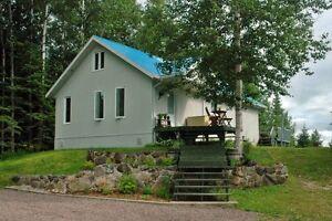 BORD DE L'EAU - Chalet résidentiel à l'année - Pur havre de paix Lac-Saint-Jean Saguenay-Lac-Saint-Jean image 1