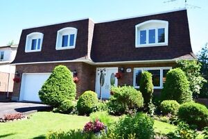 Beautiful large home in Dollard des Ormeaux DDO prime WESTPARK West Island Greater Montréal image 1