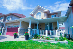 Immaculate 4BR/3.5WR Move in ready house in Morgans Grant,Kanata