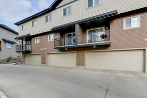3 Bed 2.5 Bath Newer Townhouse w/ Dbl attached Garage WOW!