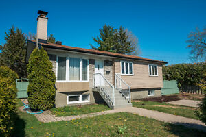 Beautiful, freshly renovated 3+1 bedroom bungalow