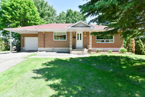 detached bungalow with grarage for rent in Vaudreuil-Dorion